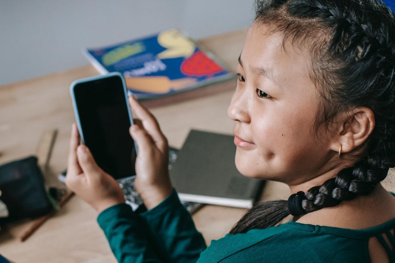 6 melhores aplicativos para crianças que inspiram criatividade (Foto de Katerina Holmes no Pexels)